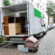 Best advice ever for people moving house? Hire a removals service!